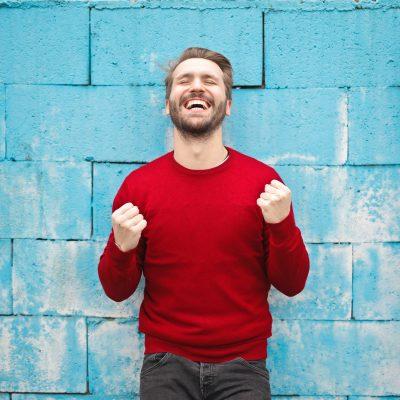 vrolijk persoon sales skyrocket